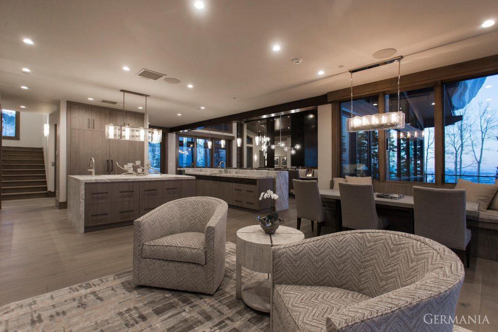 Custom luxury home dining room