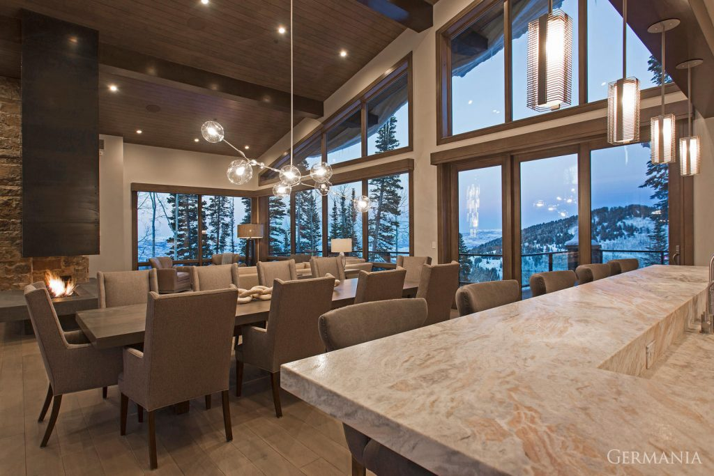 Vacation home dining room