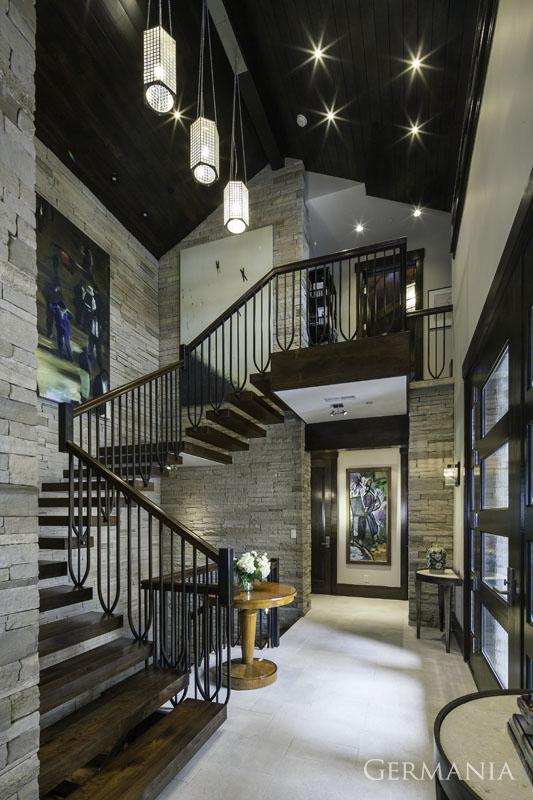 Build custom luxury home