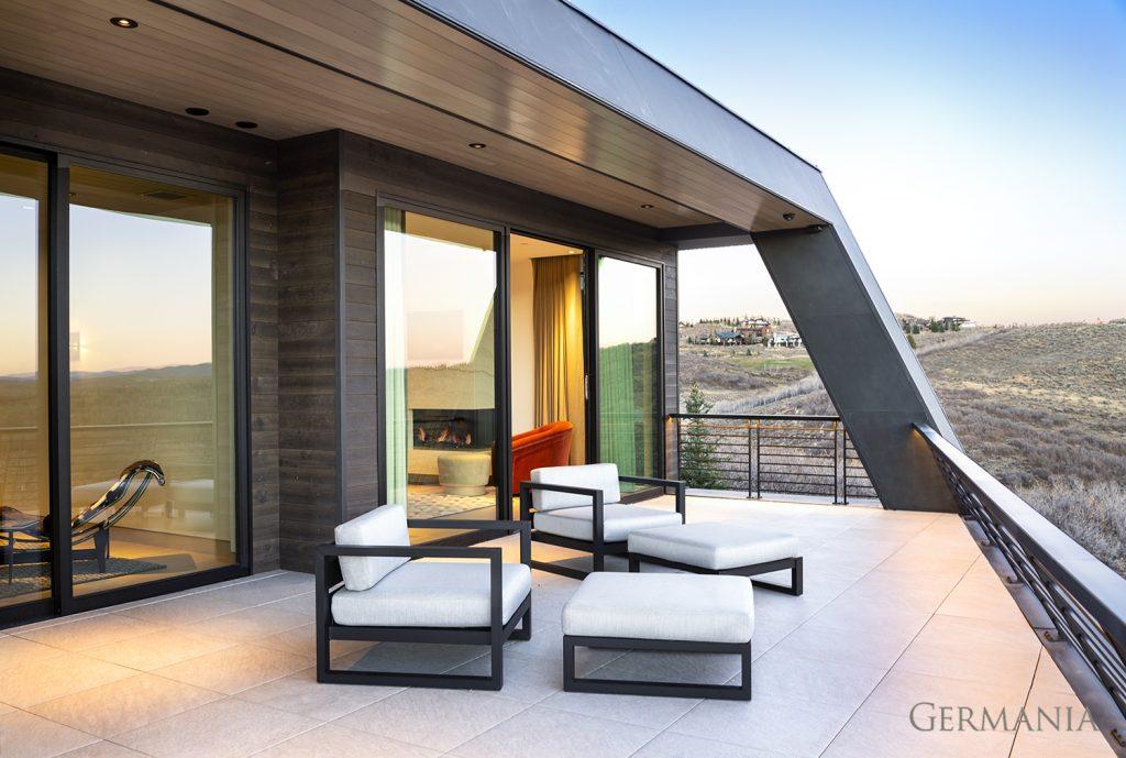 Custom contemporary home deck