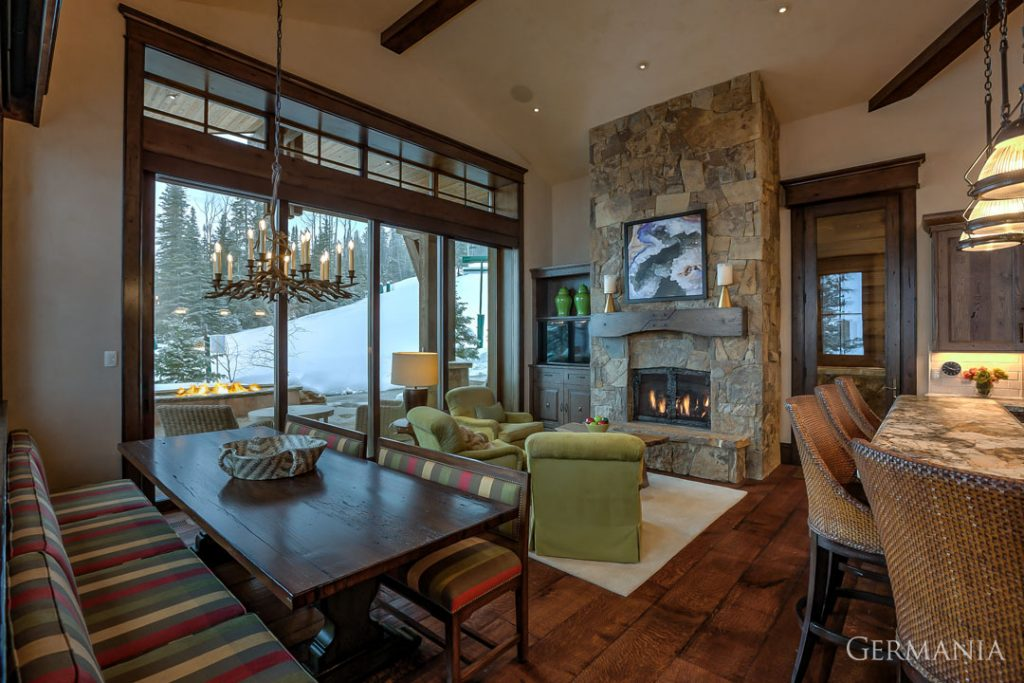 Custom contemporary home dining room