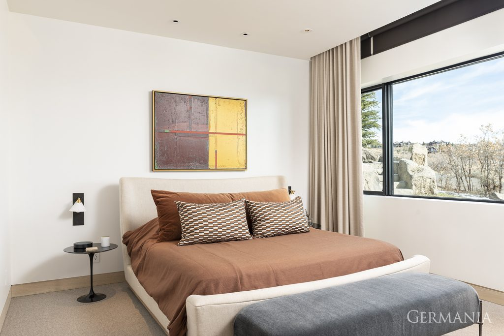 Custom home bedroom park city