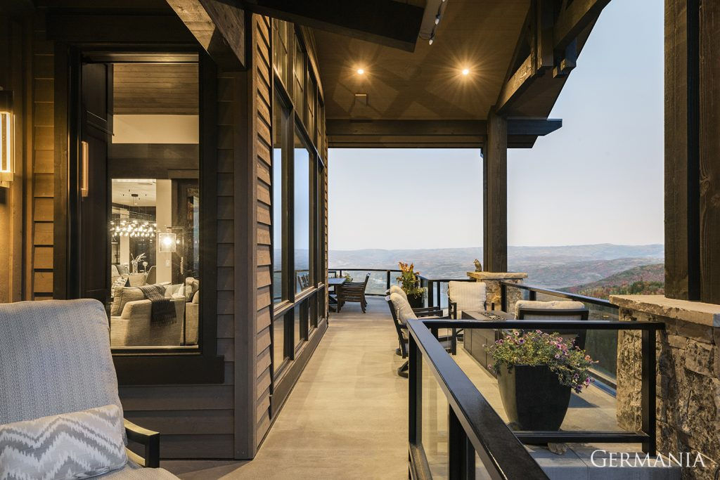 Build custom luxury home deck